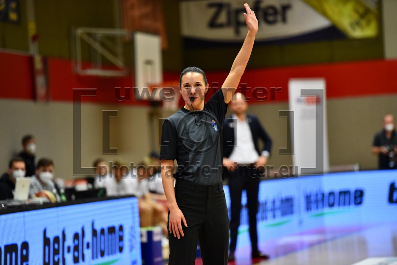 03.02.2021 Basketball Superliga 2020/21, Grunddurchgang 18. Runde Flyers Wels vs. Klosterneuburg Dukes  Im Bild (v.l.n.r.):    Copyright Pictorial / U.Winter  office@pictorial.at www.pictorial.at Tel: +43 660 1412984